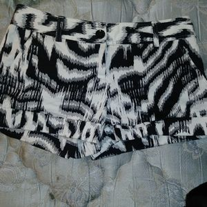 Express Design Shorts